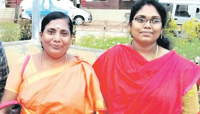 Mother-and-daughter-got-govt-job-in-same-time
