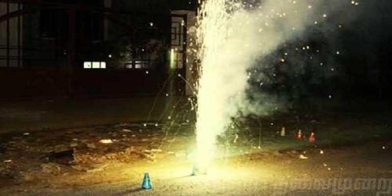 central-government-permission-granted-to-fireworkers-about-natural-firecrackers