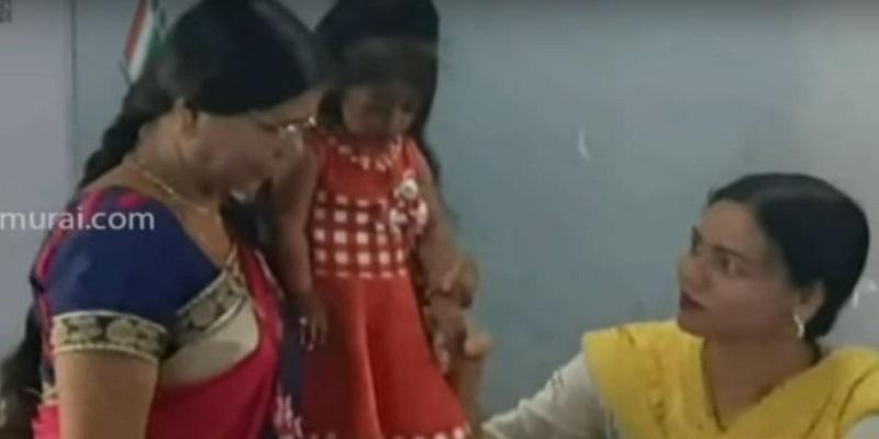 World-s-Shortest-Woman-Votes-In-Nagpur--Has-A-Message