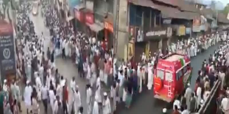 The-crowd-parted-and-made-way-for-the-ambulance-in-kerala