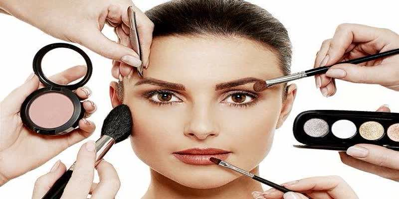 special-story-of-doctors-warning-to-women-for-used-makeup-things