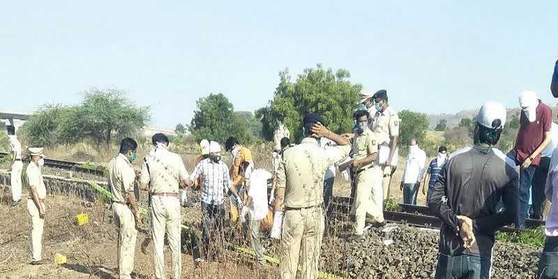 17-Migrant-Workers-Crushed-to-Death-by-Train-in-Aurangabad