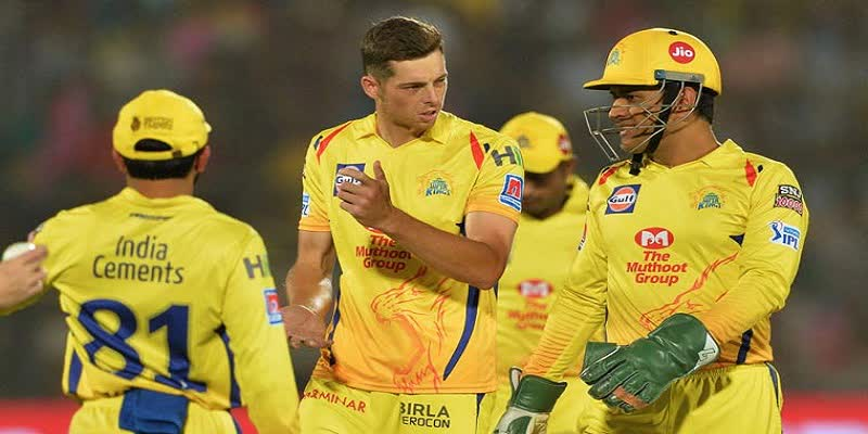 MS-Dhoni-apologised-straightaway--Mitchell-Santner-on-CSK-captain-s-argument-with-umpires-in-IPL-2019