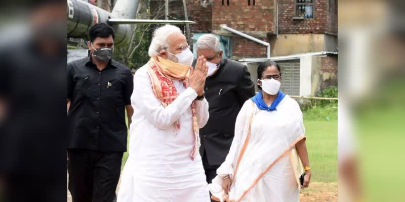 Narendra-Modi-announces-Rs-1-000-crore-as-immediate-relief-for-West-Bengal