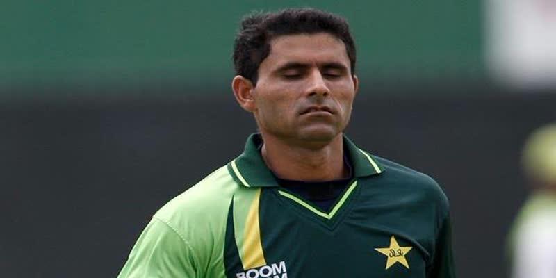 Pakistan-cricketer-Abdul-razzaq-said-Team-India-of-intentionally-losing-to-England-in-World-Cup