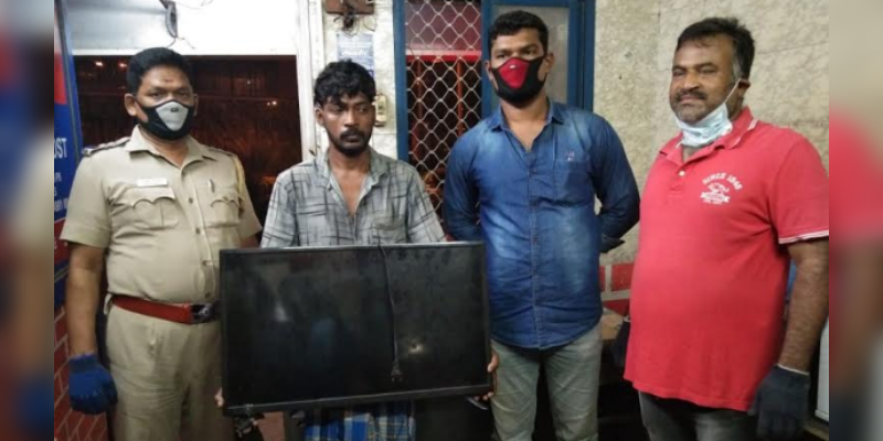 Police-booth-CCTV-camera-monitors-stoles---2-Youngsters-arrested