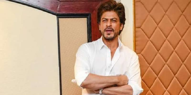 Is-Bollywood-actor-Shah-Rukh-Khan-s-Mumbai-home--Mannat--wrapped-in-plastic-sheets-due-to-coronavirus